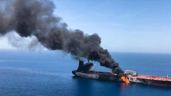 """الهجوم الإيراني على السفينة الإسرائيلية.. اجتماع بين """"غانتس"""" و""""كوخافي"""" وطهران تكشف السبب"""