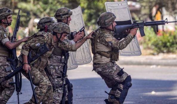 """مواجهات بين الجيش اللبناني ومهربين مقربين من """"حـزب الله"""""""