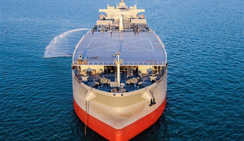 """موقع المعهد البحري للولايات المتحدة نشر صورا تظهر السفينة الحربية الإيرانية """"مكران""""، وهي تتجه إلى فنزويلا وعلى متنها معدات عسكرية"""