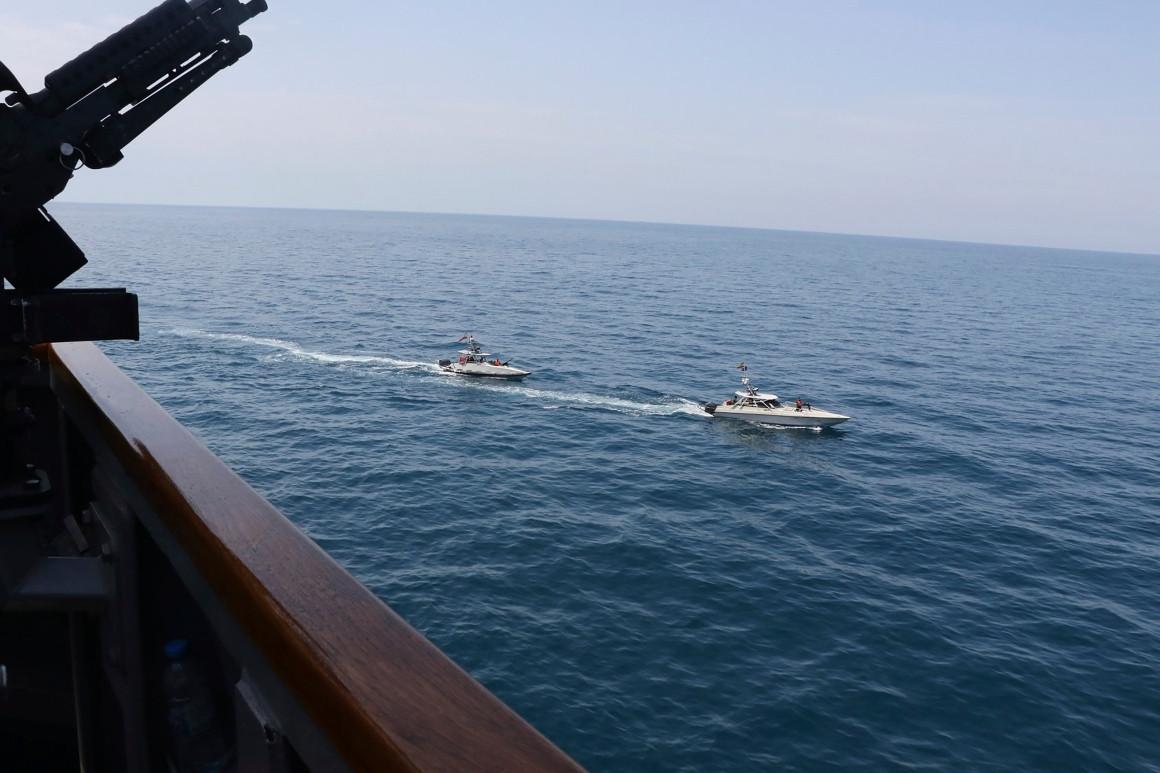 السفن الإيرانية تحمل أسلحة للوفاء بصفقة أبرمتها إيران وفنزويلا قبل عام