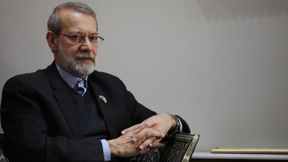 يزيد استبعاد المرشحين من فرص فوز رئيس السلطة القضائية إبراهيم رئيسي المقرب من علي خامنئي