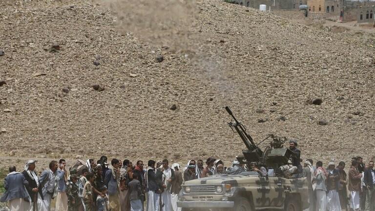 الجيش اليمني قال إن طيران تحالف دعم الشرعية استهدف تعزيزات تابعة لمليشيات الحوثي شمال غرب مأرب