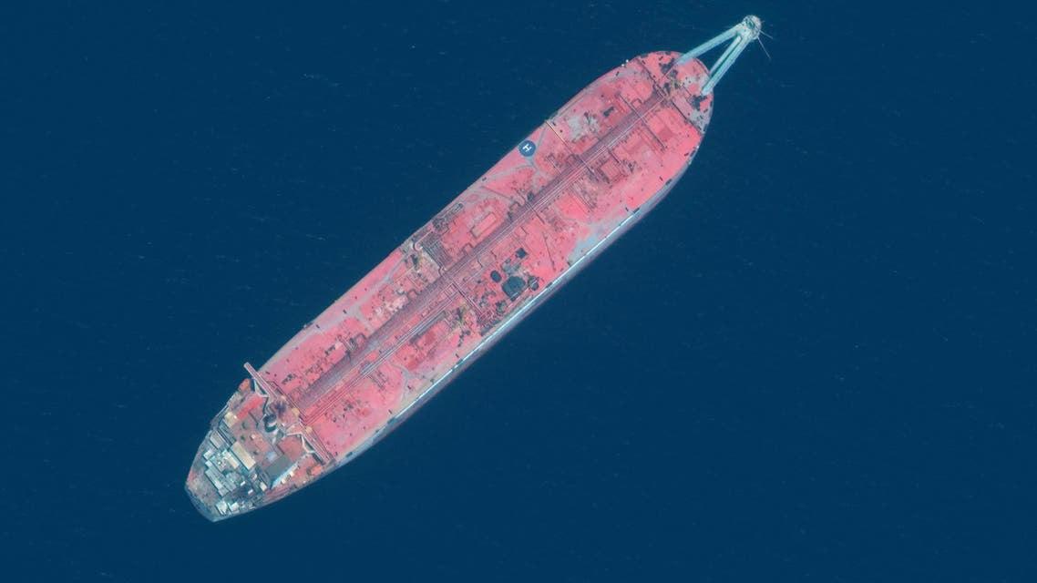 """الناقلة """"صافر"""" وحدة تخزين وتفريغ عائمة، راسية قبالة السواحل الغربية لليمن، على بعد 60 كم شمال ميناء الحديدة"""
